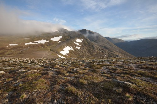 Early morning mist on Cairn Toul