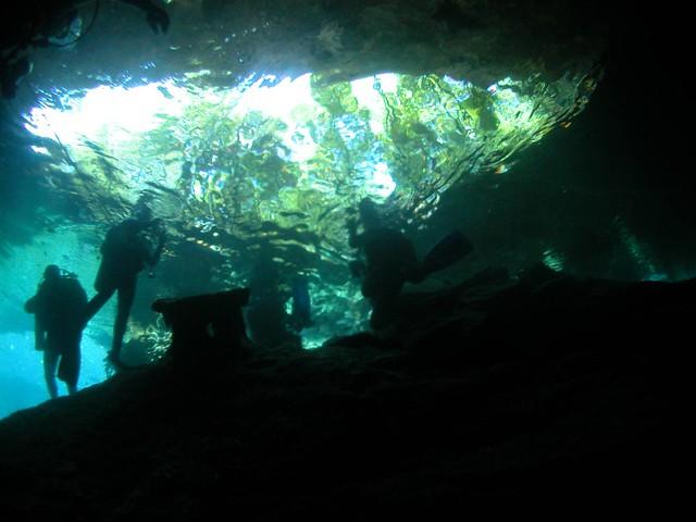 Photo:Cavern dive / 洞窟ダイブ By TANAKA Juuyoh (田中十洋)