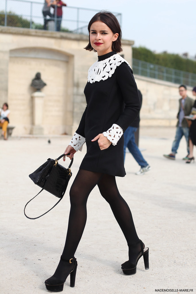 Street style Mira Duma in Paris