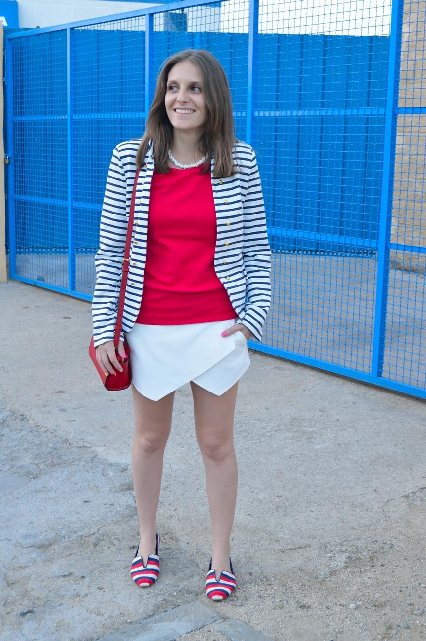 lara-vazquez-madlula-blog-style-streetstyle-fashion-stripes-navy-chic-look