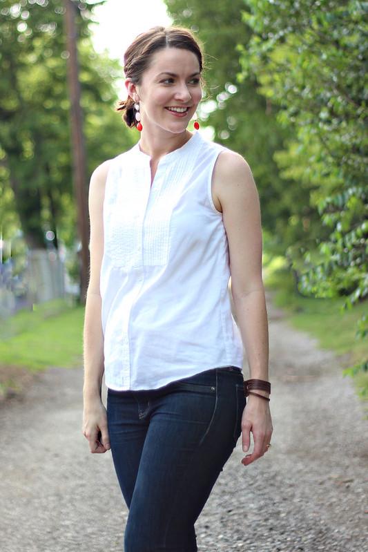 white-tank-blouse-jeans-2