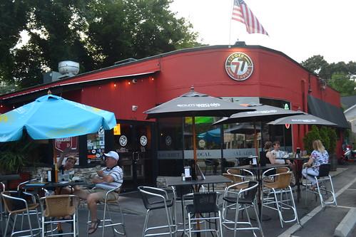 037 Burger Tavern 77