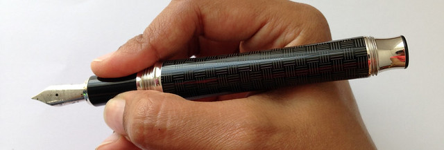 Review: @SignumPenItaly Intreccio Fountain Pen - Medium @NotemakerTweets