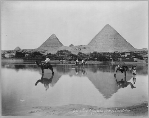 Egypt._Village_and_pyramids_during_the_flood-time._ca._189-_LCCN2001705532