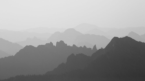 blackandwhite mountains nature canon landscape outdoors haze scenery scenic pacificnorthwest washingtonstate mtrainiernationalpark canonef100400mmf4556lisusm canoneos5dmarkiii johnwestrock