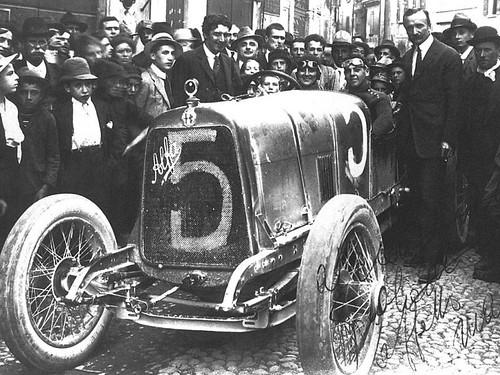 Forum des Alfa Romeo Classiques et Vintages de France 14904907136_4c6f31f390
