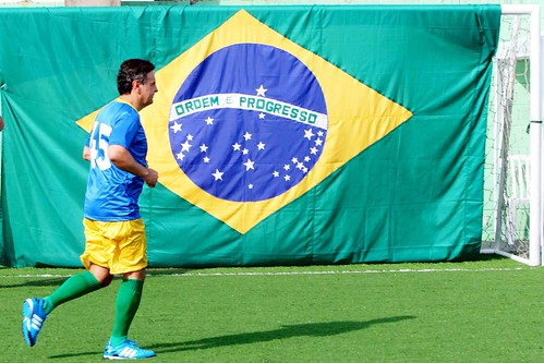 Aecio_FutebolRio_OrlandoBrito_10B