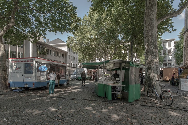 Cologne Weekly Market_St. Aposteln 10