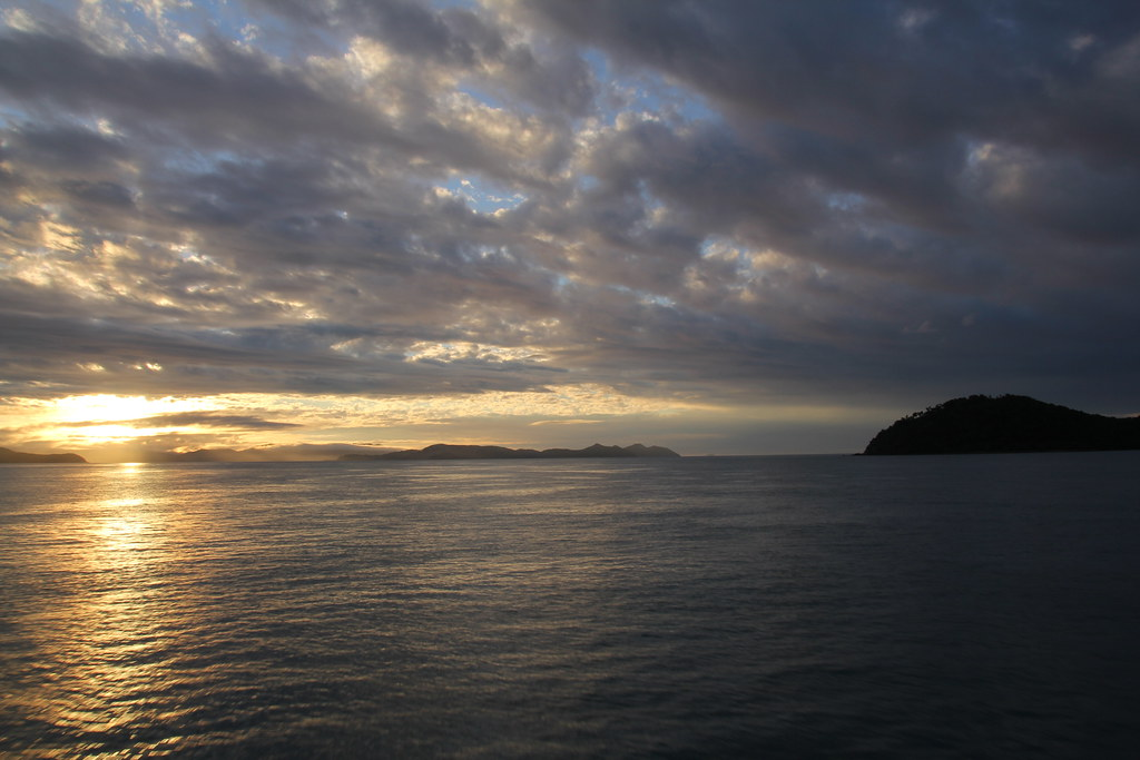 cruise whitsundays, airlie beach, daydream island, hamilton island, whitsunday island, whitehaven beach