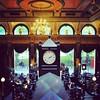 Um dos #pubs mais bonitos de #Birmingham: The Old Joint Stock. Tem post no blog sobre ele (link na bio).