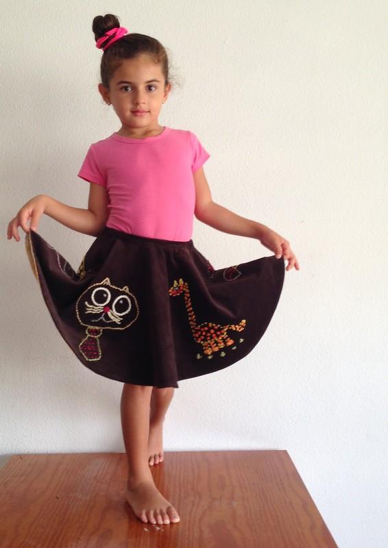 Falda circular bordada
