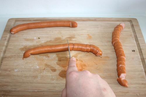 42 - Wiener zerschneiden / Cut vienne sausages