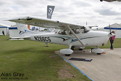 N266CS CESSNA 172S 172S11266 PRIVATE - Sywell - 20130601 - Alan Gray - IMG_6442