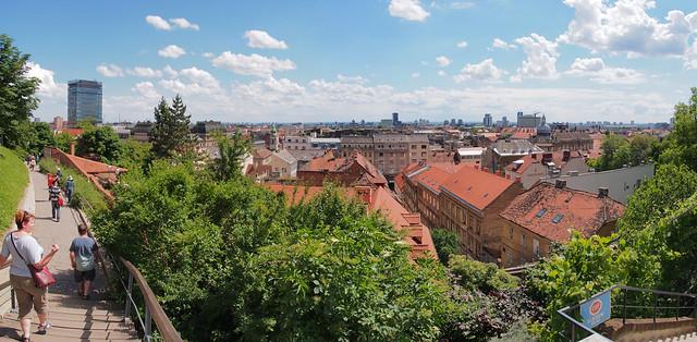 離開聖馬可教堂眺望Zagreb的市區