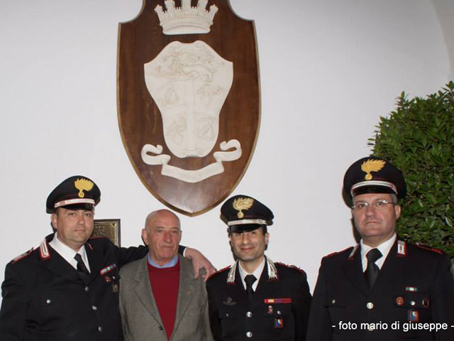 mario-vacca-e-comandanti-Carabinieri-Gioia