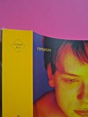 Golden boy, di Abigail Tarttelin. Mondadori 2014. Art director: Giacomo Callo, graphic designer: Susanna Tosatti; alla cop. ©Luka Knezevic; alla q. di cop. @Daniel Hambury. Dorso, copertina (part.), 1