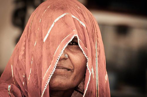 #40 Woman Faces: Looking through her sari | Jaipur | India