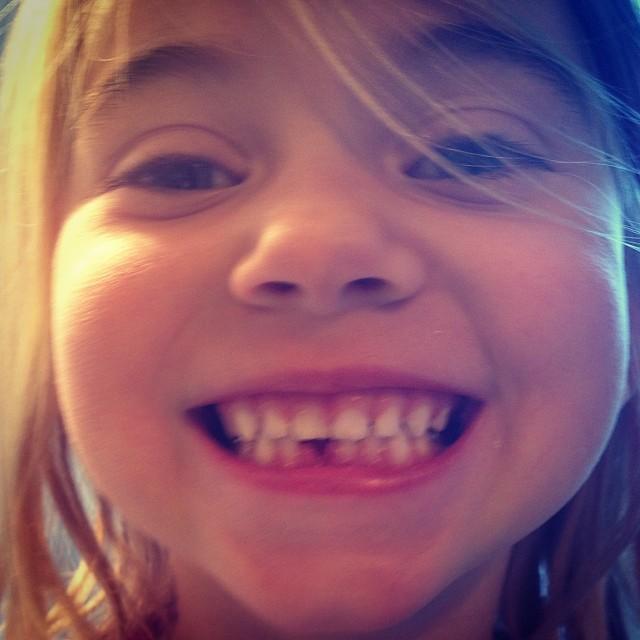 En daar ging melktand nummer 1! #ikhebeengrootkind