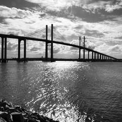 """""""A ponte não é para ir nem pra voltar..."""""""