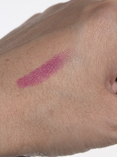 Holika-Holika-Heartful-Moisture-Lipstick-Swatch-01