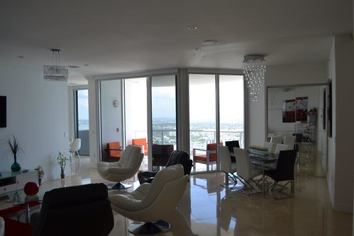6365 Collins Ave. #TS-11 Miami Beach