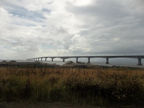 Looking at the Confederation Bridge (1)
