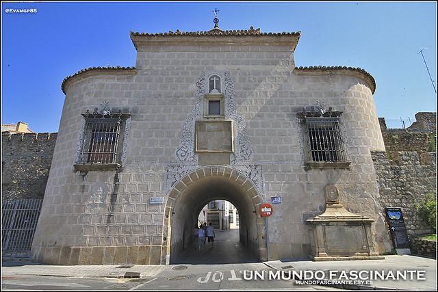Puerta de Trujillo, Plasencia