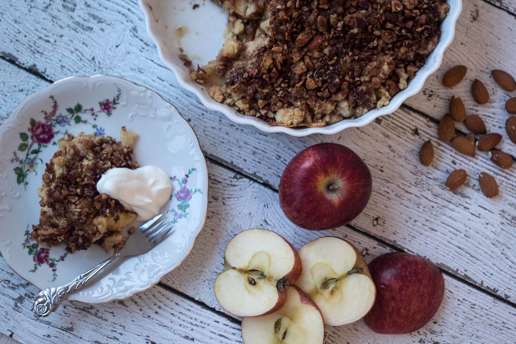 Recipe for super easy Cinnamon Crumble Apple Pie (5)