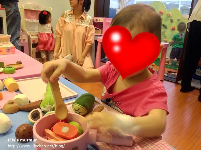 可以從照片上看得出來,這些玩具都還是有用心清潔維護,這麼多人玩還稱得上乾淨。