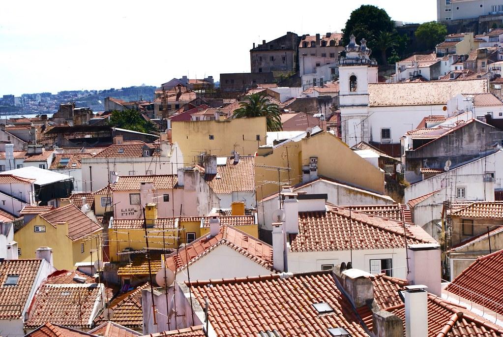 > Belvédère de Miradouro de Santo Estêvão à Lisbonne