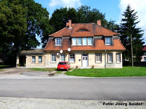 DE-99947 Kirchheilingen Kleinbahnbahnhof im August 2014