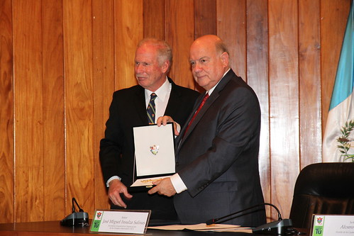 Secretario General de la OEA recibe las llaves de la Ciudad de Guatemala