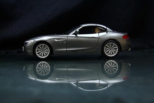 【玩具人'范姜吉姆'投稿】KYOSHO BMW Z4 S35I合金模型車改造分享!
