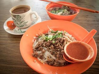 029 早餐 : 牛腩河粉+ 咖啡