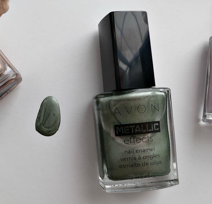 avon-metallic-nail-jade-reflection-bottle