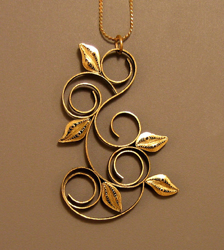 Quilled Pendant - Leaves and Loops - Ann Martin