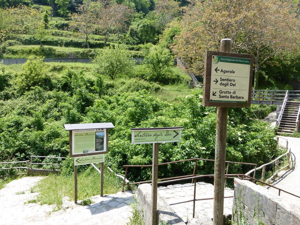 Start of the Sentiero degli Dei trail
