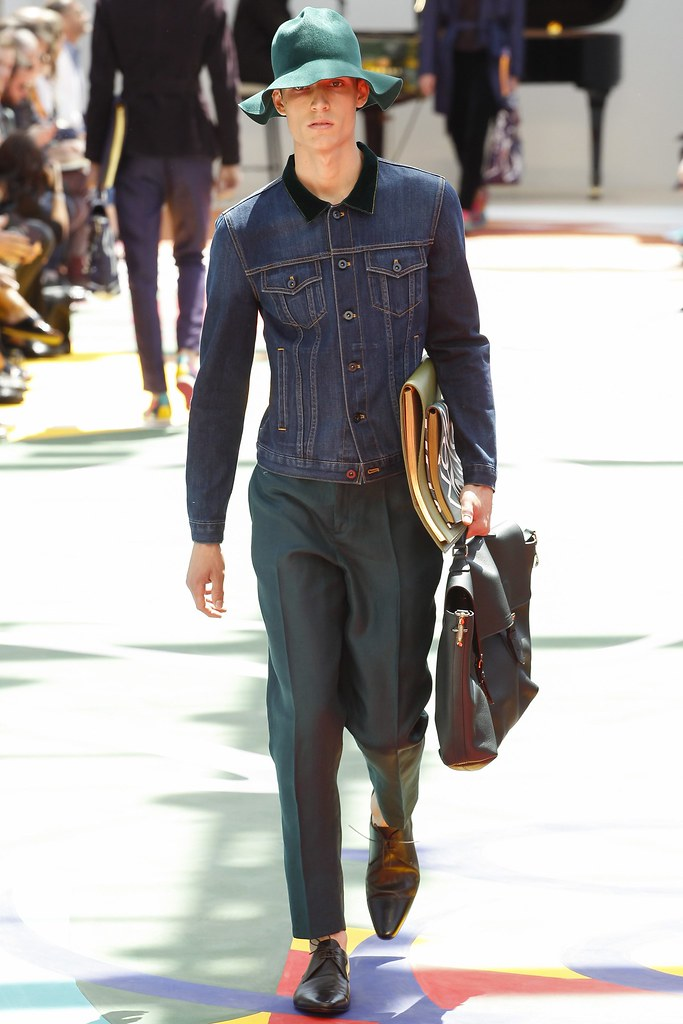 SS15 London Burberry Prorsum005_Florian Luger(VOGUE)