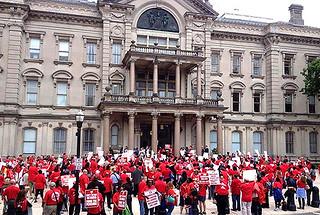 500 Stewards Protest Christie's Pension Grab