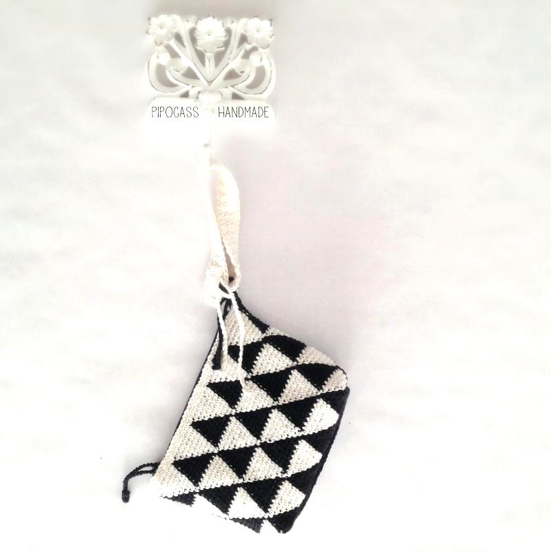 Bolso crochet blanco y negro