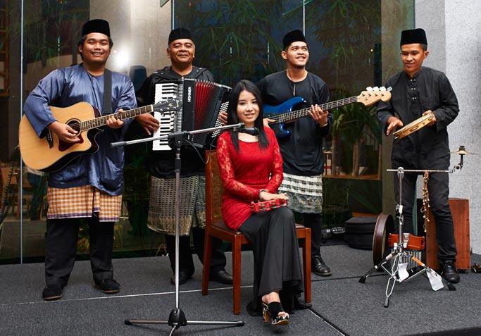 Arawsa-Band-1