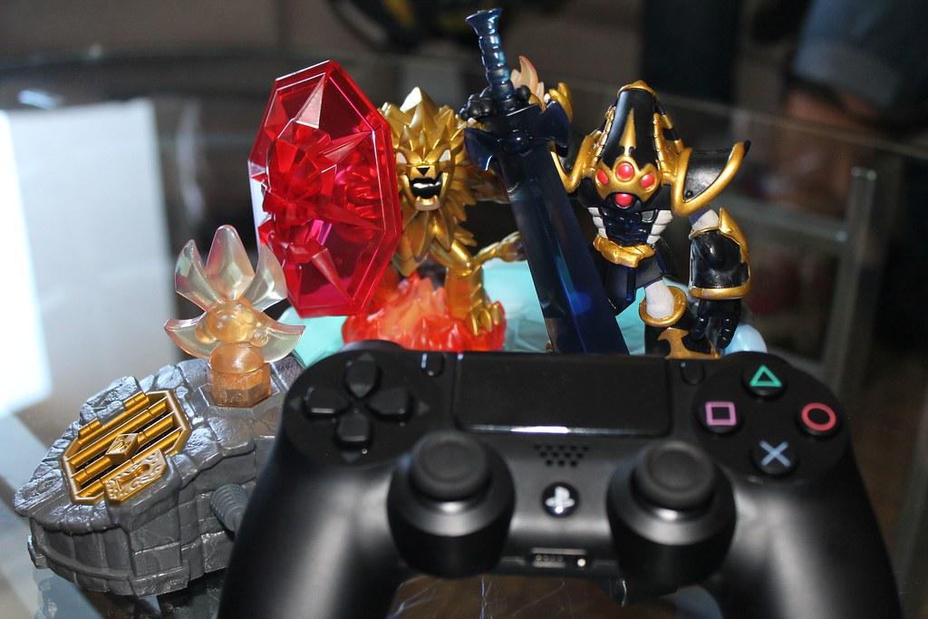 Skylanders Trap Team mit PS4 Controller