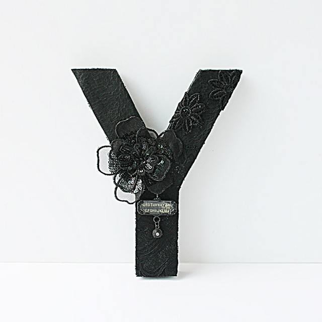 Y-Decorated-black-monogram