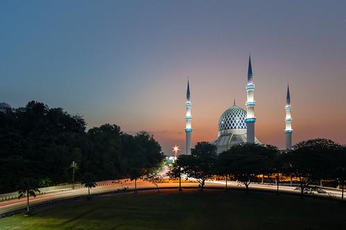 6 composite sunrise state sony mosque malaysia bluehour 12mm ramadan ramadhan hdr magichour masjid selangor shahalam hafiz nex digitalblending samyang masjidnegeriselangor masjidsultansalahuddinabdulazizshah nex6 muhammadhafizbinmuhamad samyang12mm120ncscs