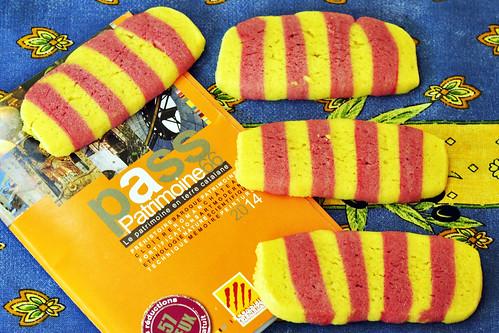 Katalonien katalanisch Nationalfarben Flagge Kekse Gebäck süß Sablé sablés Argeles Foto Brigitte Stolle