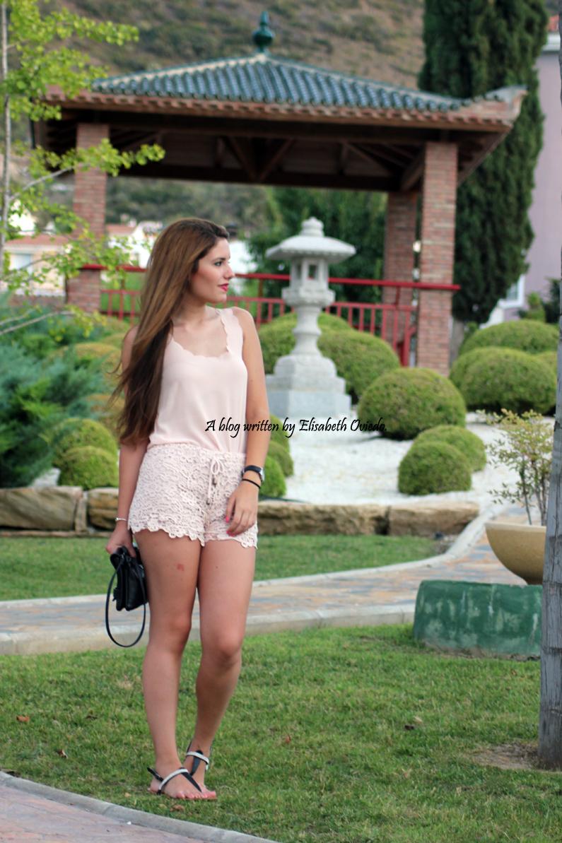 Shorts-de-encajes-rosas-pastel-SuiteBlanco-HeelsandRoses-(1)
