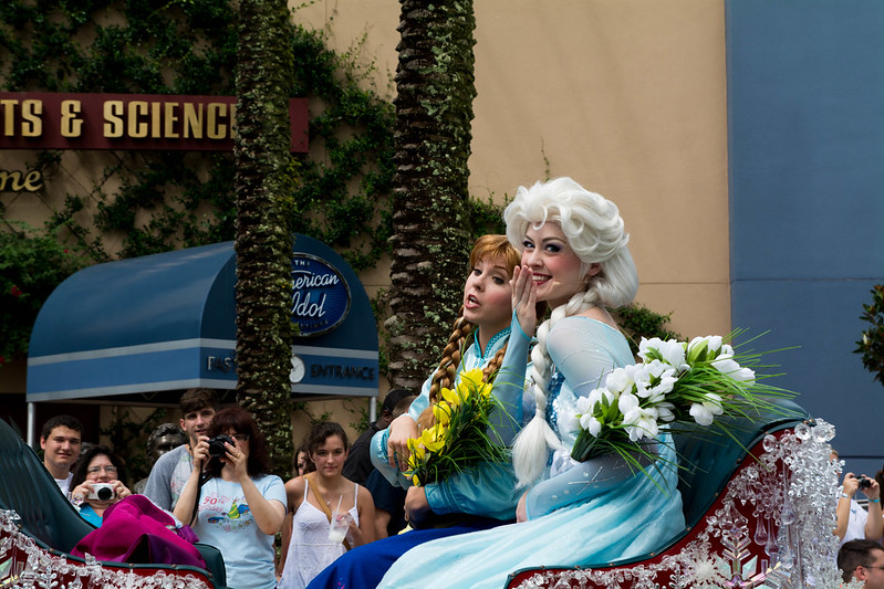 Elsa and Anna's Royal Welcome