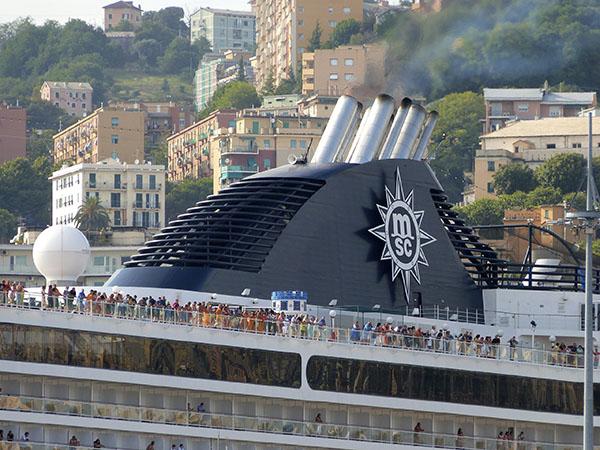 cheminées du bateau