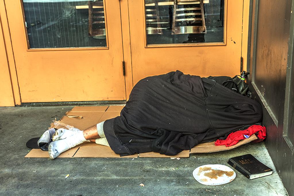 Man-sleeping-in-doorway-on-6-30-14--Portland