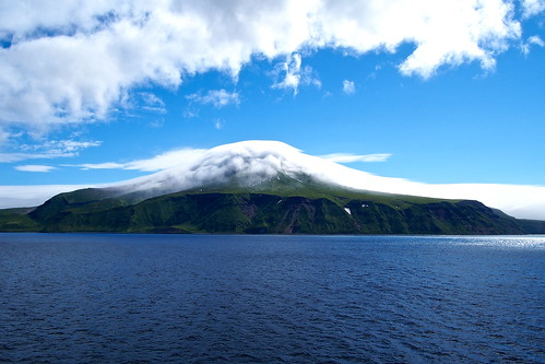 春牟古丹島 Kharimkotan (Kuril Islands)